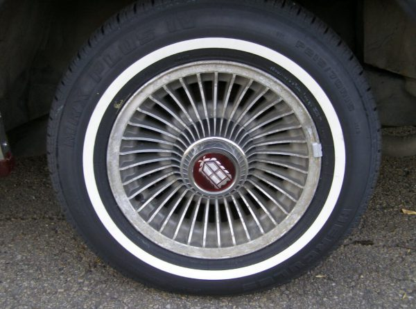 mercury-1985-marquis-red-wheel