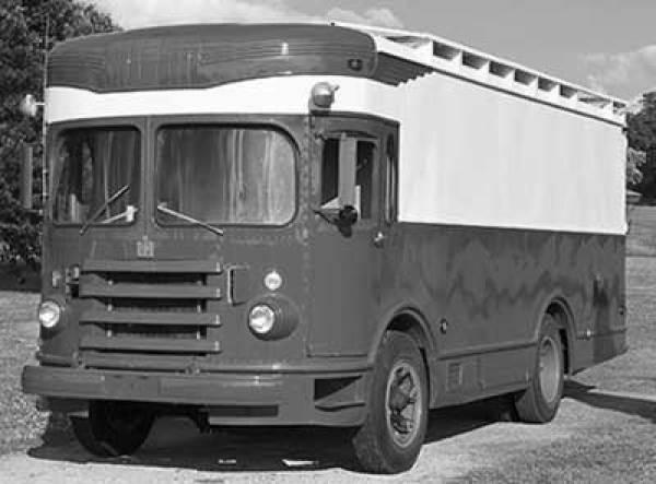 oo1954_twin_coach_van7