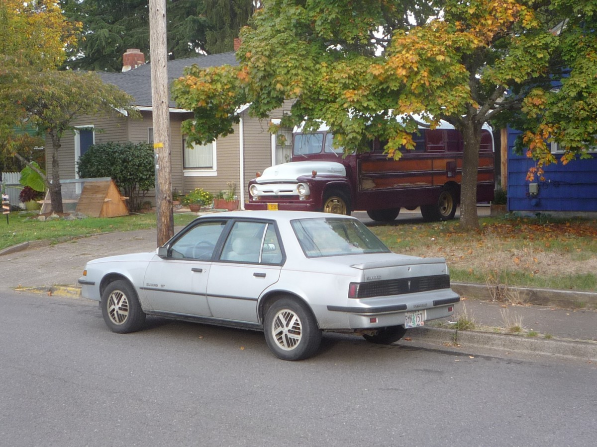 Curbside Classic 1987 Pontiac Sunbird Gt The Collectible Exciting Timing Belt For Sunfire Ok I Admit Im Grasping A Proper Take On This But Then Rare Bird Appeared Out Nowhere Andhere We Are So How Do It Justice