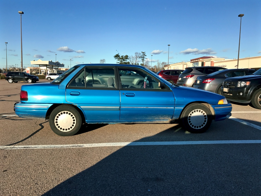Initially a brief mazda 323 and japanese australian market ford laser clone the tracer name was soon applied to a version of ford s popular escort which