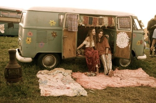 vw-bus-hippies