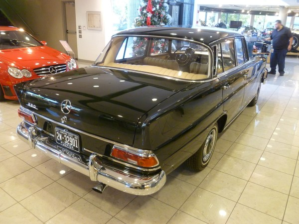 Mercedes-Benz Classic Center 1968 230