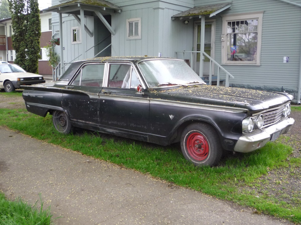 Curbside Classic 1963 Ford Fairlane Sedan Xl Size Falcon Xs 1964 Bucket Seats You All Probably Know The Basic Story Of New Mid Sized That Appeared In 1962 It Was Essentially A Stretched And Widened