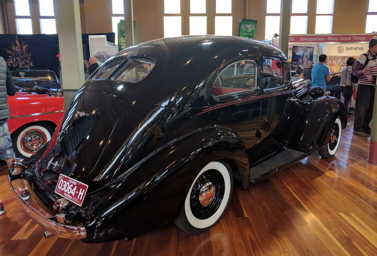 Car Show Classics: Motorclassica 2017 – Extraordinary Vintage Machinery