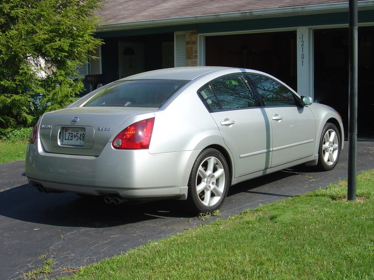 Nissan Maxima SE Rear View