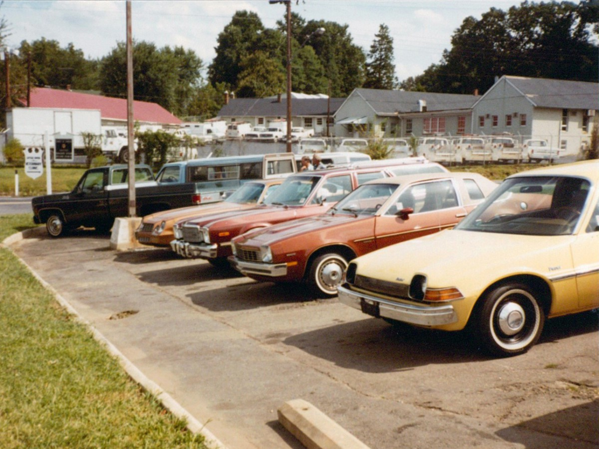 Vintage Photos: Let\'s Go Used Car Shopping… In 1982