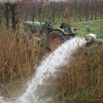 Compact tractors are mostly used by fruit growers and horticulturists. This Fendt Farmer 270 V drives a pump, creating a temporary waterfall. The combination drains water from the orchard in […]