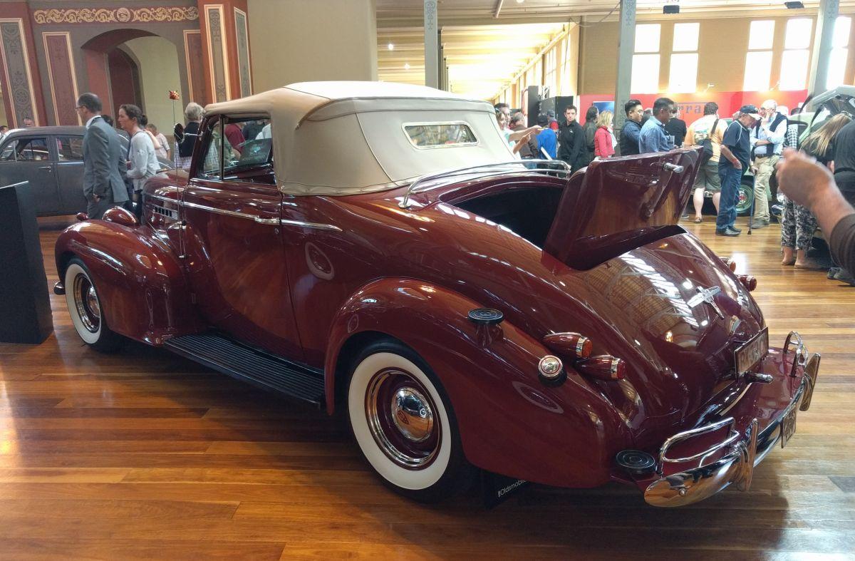 Car Show Classics: 1939 GM Pairing