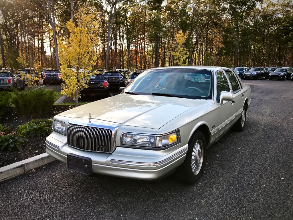 Curbside Classic 1997 Lincoln Town Car Signature Series Signing