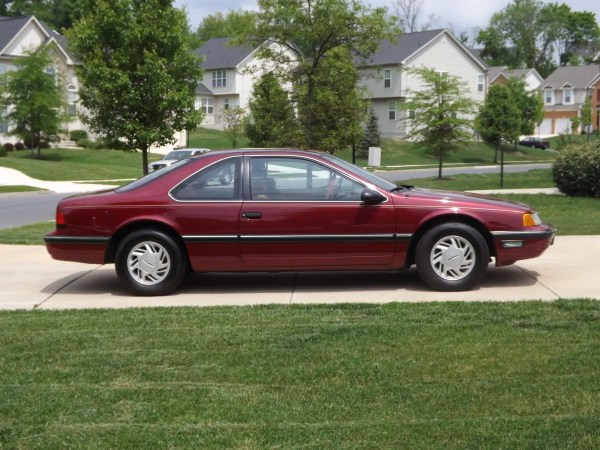 89 Ford Thunderbird LX Side View