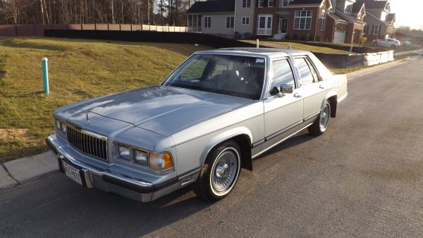 1991 Mercury Grand Marquis Front View
