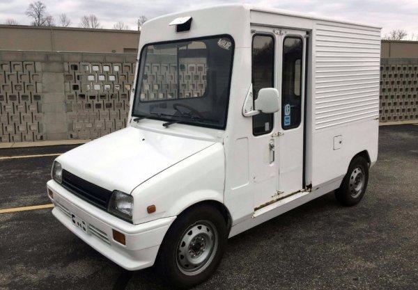 "CC Outtake: Late 1980's Daihatsu Mira ""Walk-Through"" Van – UK Pretender"