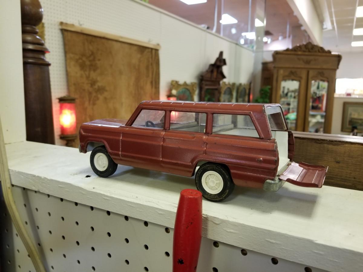 Jeep Day Finale: 1963-65 Jeep Wagoneer – Tonka Edition
