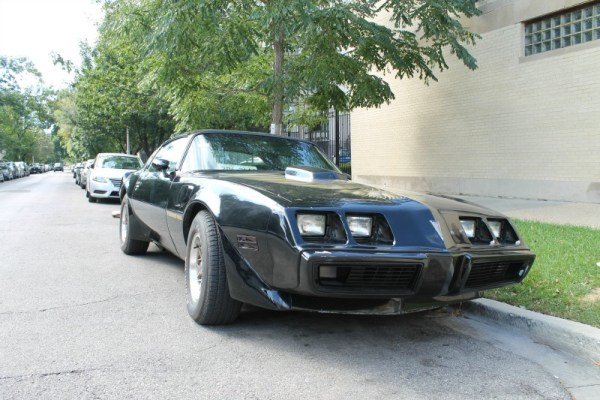 1981 Pontiac Firebird Trans Am, passenger's side front three-quarter view