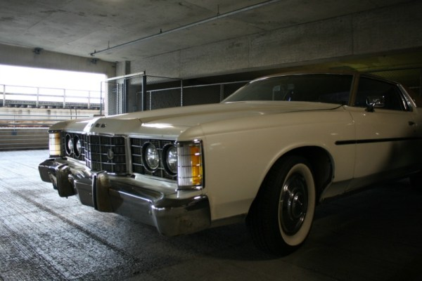 1973 Ford LTD Brougham 2-door, front three-quarter view