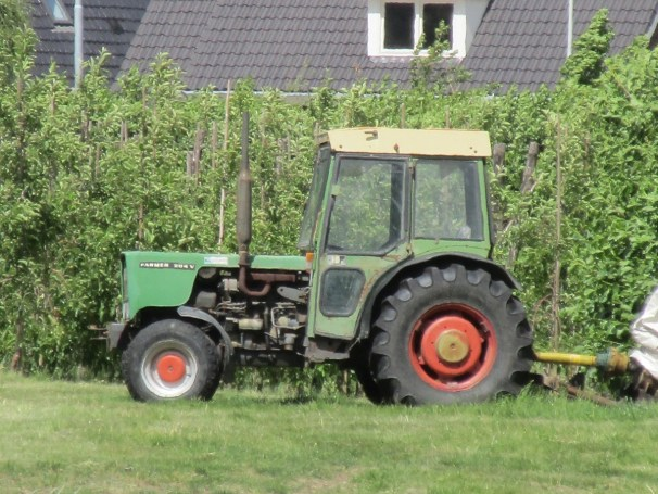 Fendt Farmer narrow track tractor