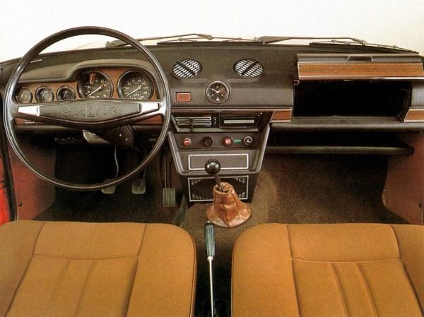 Lada 1500 interior