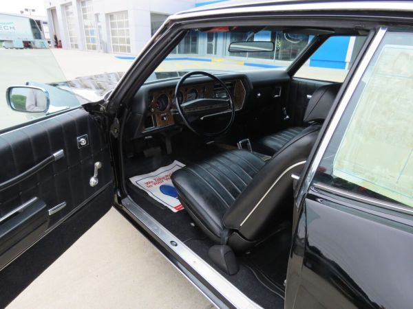 Black 1972 Chevrolet Monte Carlo