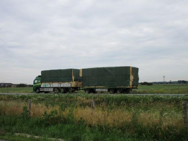 Volvo FM 6x2 truck