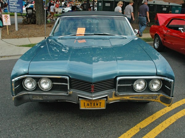 1967 Oldsmobile Delmont 88 convertible front