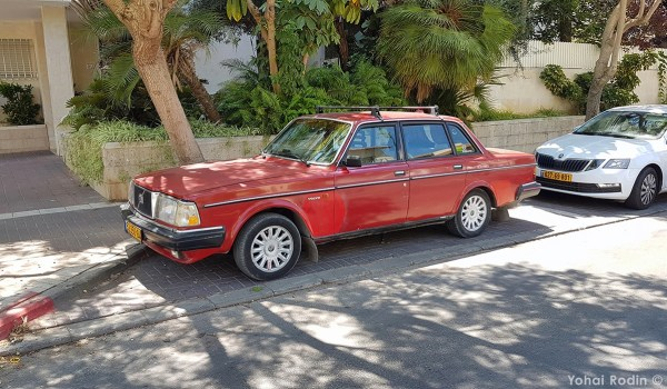 1984 Red Volvo 240 DL