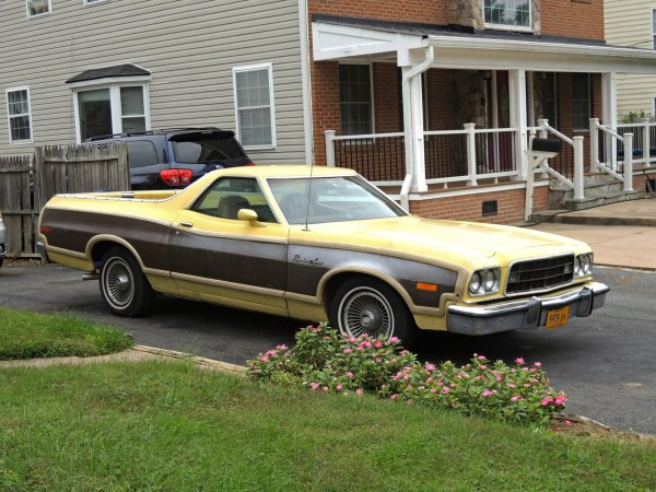 1973 Ford Ranchero Squire right front