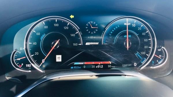 BMW 740e dash