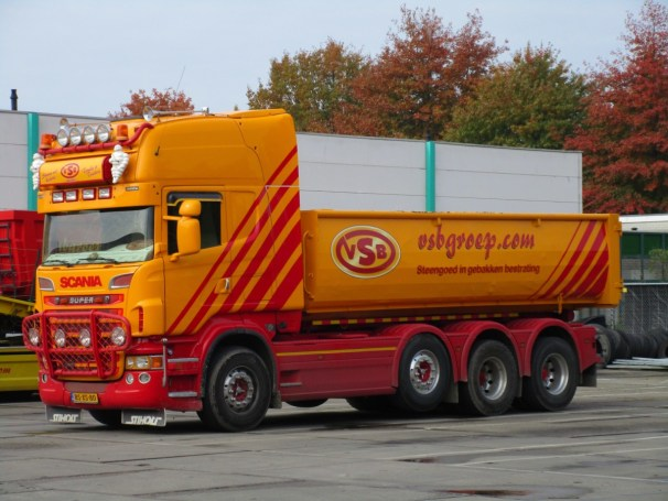 2007 Scania R560 8x2 truck