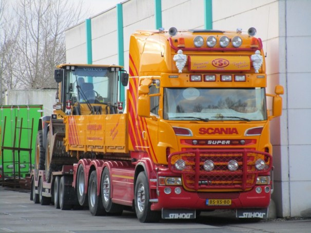 Scania R560 tridem with Vogelzang trailer