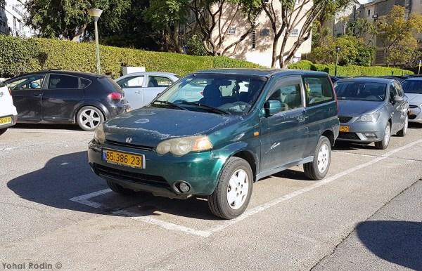 Green Honda HRV