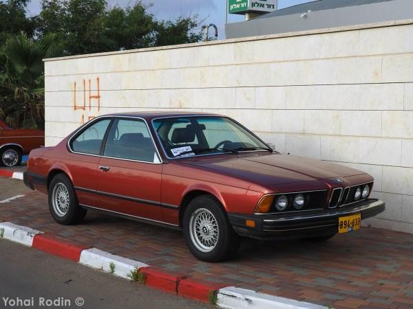 Maroon BMW E24 630 CS