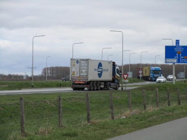 Scania 4x2 tractor with Fliegl semi-trailer