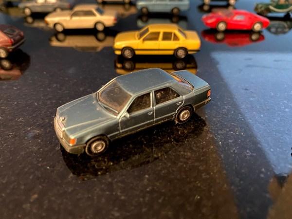 Herpa HO Mercedes 300E (W124)