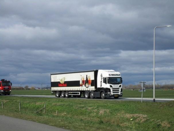 2019 Scania R450 and curtainside semi-trailer