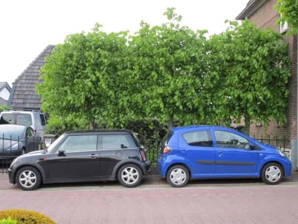 2005 Mini One vs 2009 Toyota Aygo - 1
