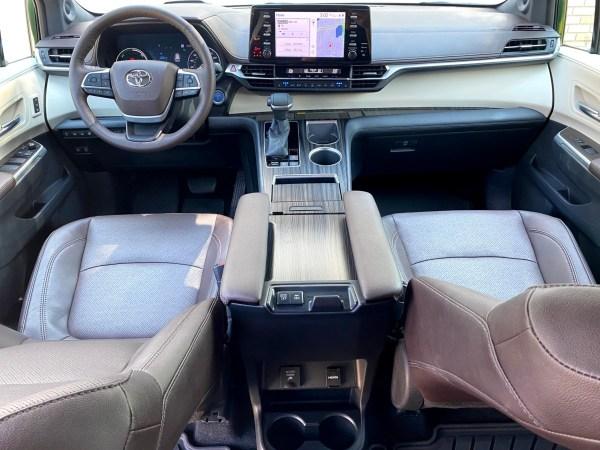 2021 Toyota Sienna Platinum AWD Hybrid
