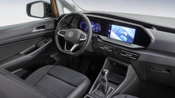 VW Caddy V interior