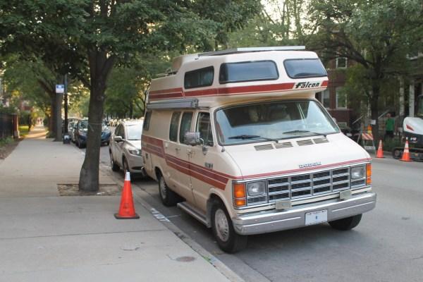 1986 Dodge Ram Van B350 InterVec Falcon. South Edgewater, Chicago, Illinois. Tuesday, August 17, 2021.