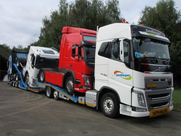 2017 Volvo FH - front and side view