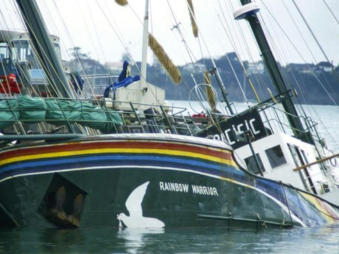 L'affaire du Rainbow Warrior : un naufrage d'État