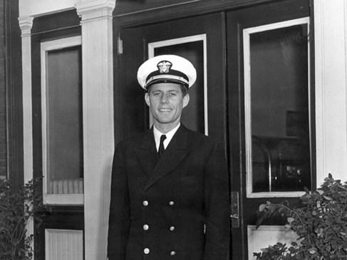 John Fitzgerald Kennedy : Héros de guerre ?