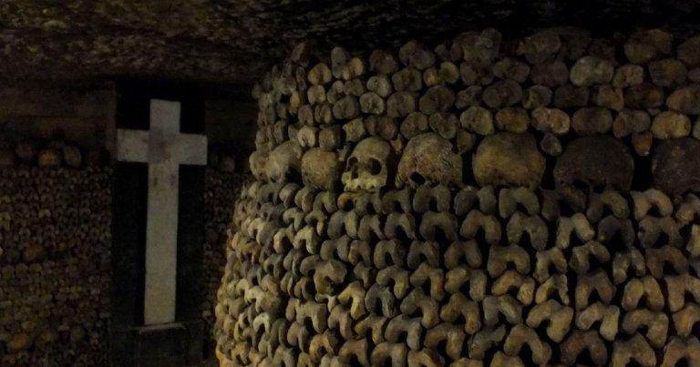Les Catacombes de Paris : histoire d'une nécropole souterraine
