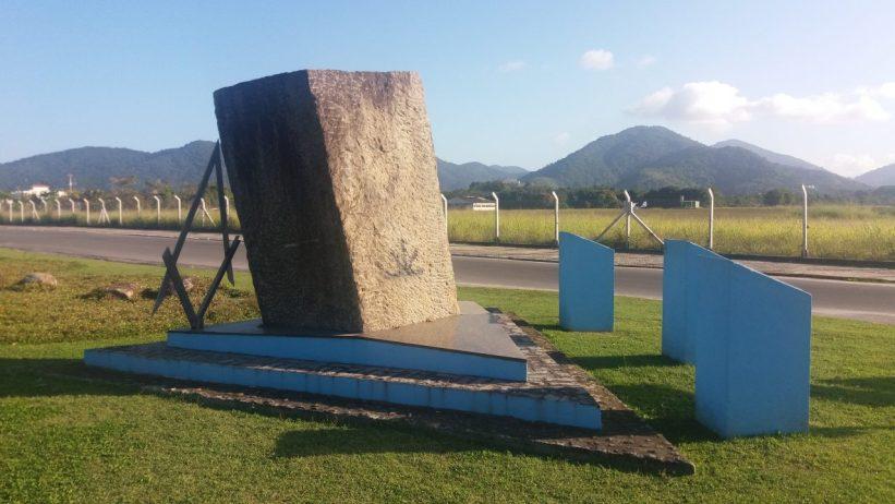 Granito Verde - Monumento Maçon