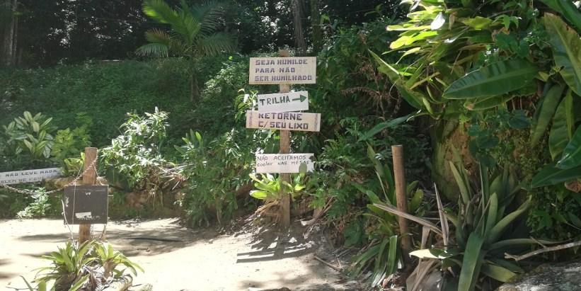 Trilha entre Praia Terra e Praia de Fora Ilha das Couves