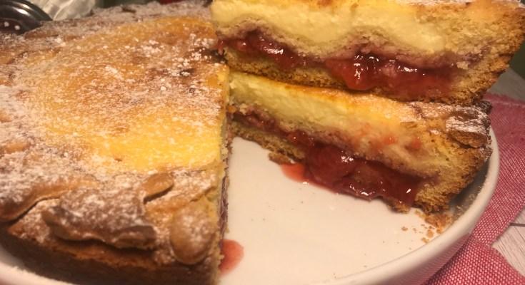 Crostata fragole e cheesecake doppio strato