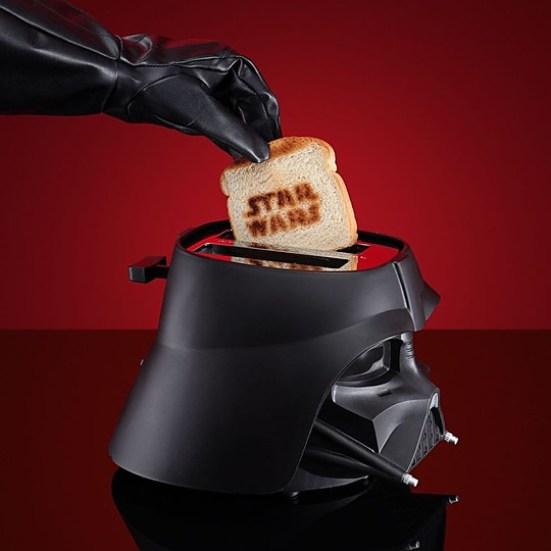 Con la tostadora Darth Vader la fuerza te acompañará