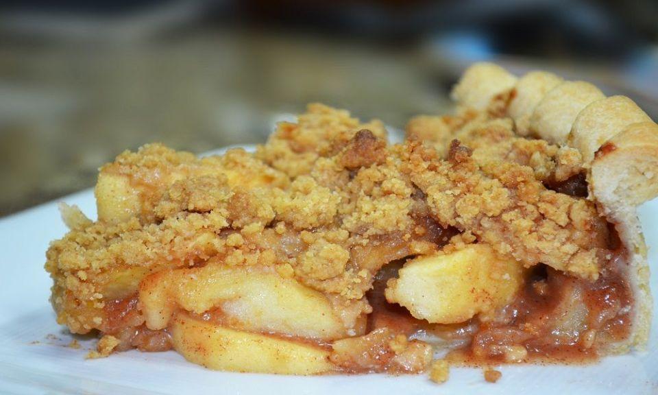 Manzana cocina con harina de avena
