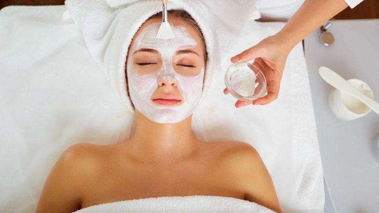 cremas y mascarillas faciales para piel saludable