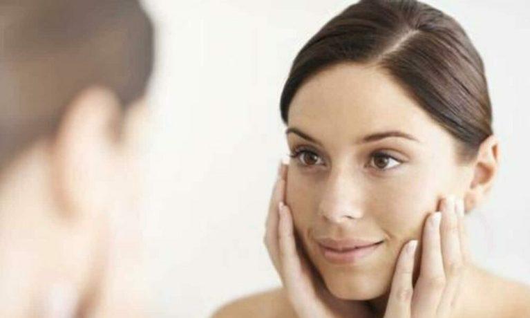 Ejercicios para rejuvenecer el rostro en casa