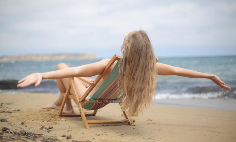 Cómo cuidar tu pelo en verano y evitar que se caiga en otoño